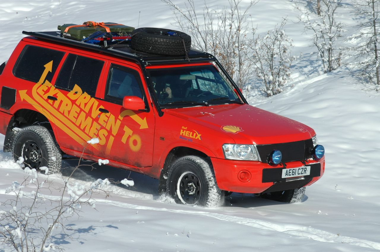 Tackling-deep-snow-in-Siberia